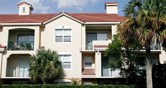Image of multifamily housing units in Florida.