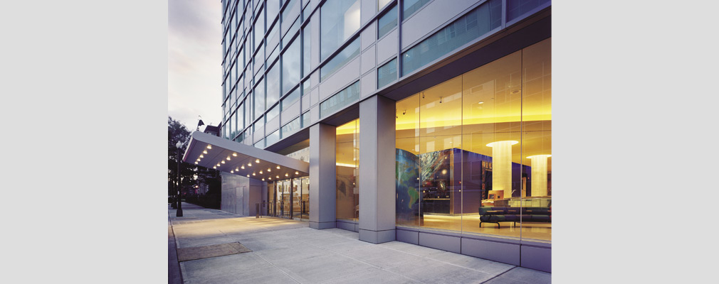Photograph of the entrance to a multistory medical building, the Children's Hospital at Montefiore.